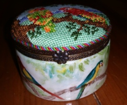Limoges box - front