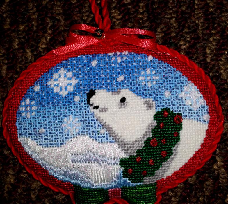 Xmas polar bear